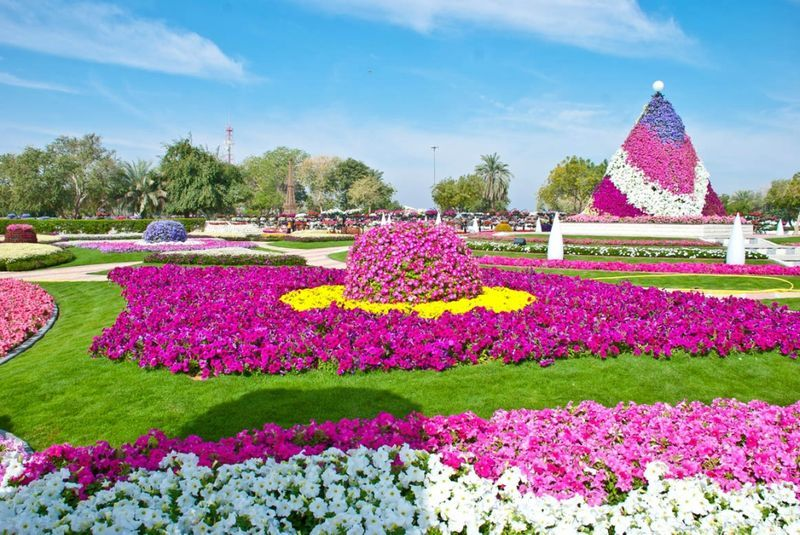 Самые красивые сады из цветов