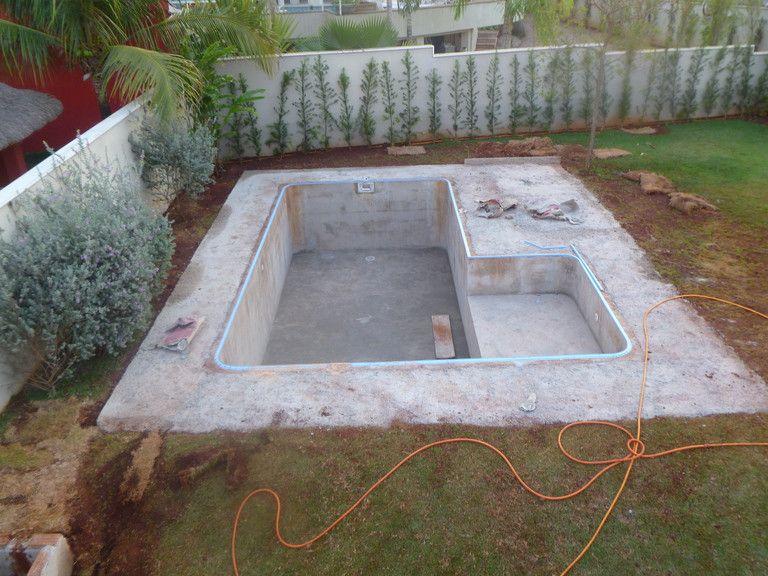 Поэтапное строительство бассейна возле частного дома. строительный портал